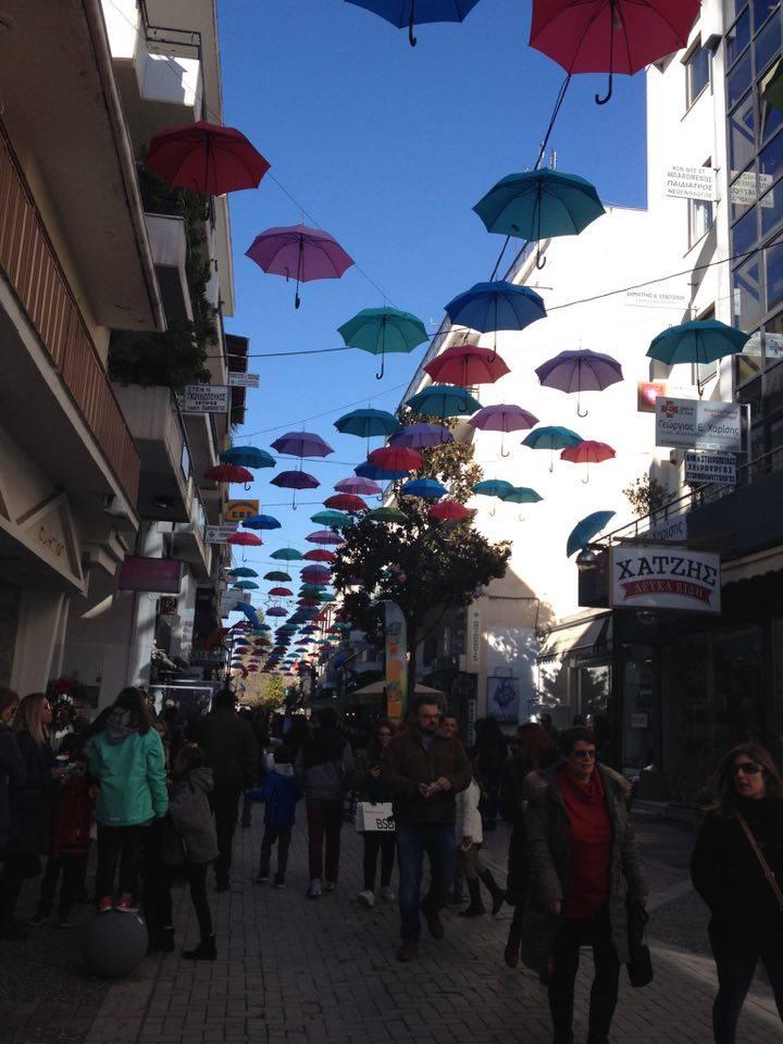 apollwnos-ombrella-street-egkainia-1